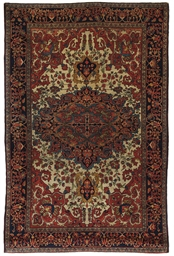 A fine antique Sarouk rug
