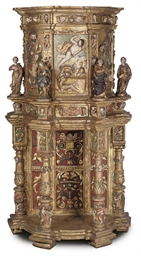 A SOUTH EUROPEAN CARVED GILT A