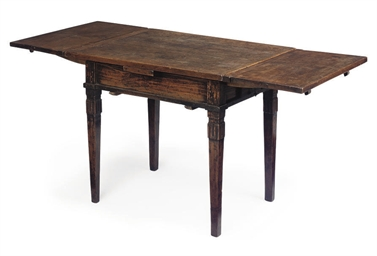AN ITALIAN FRUITWOOD DRAW-LEAF