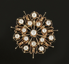 A diamond cluster Brooch/Penda
