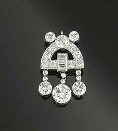 An art deco diamond pendant