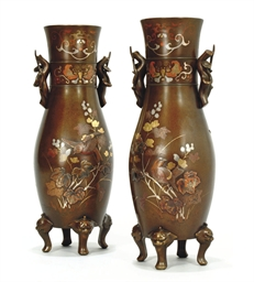 A PAIR OF JAPANESE BRONZE INLA