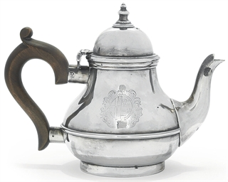 A SILVER TEAPOT OF GEORGE I ST