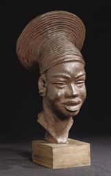 Femme Mangbetou