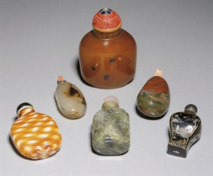 A GROUP OF SIX SNUFF BOTTLES,