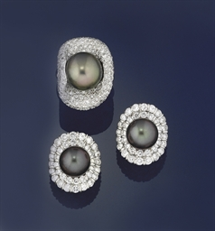 A cultured pearl and diamond r