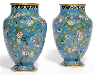 A PAIR OF CHINESE CLOISONNE VA