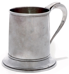 AN ARTS AND CRAFTS SILVER MUG