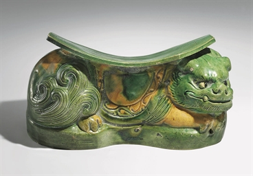 A SANCAI-GLAZED POTTERY LION-F