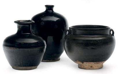 THREE CHINESE BROWN-GLAZED VES