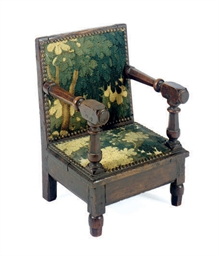 AN OAK CHILD'S CHAIR,