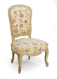 A FRENCH PAINTED CHAISE,