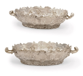 A PAIR OF SILVER JARDINIERES