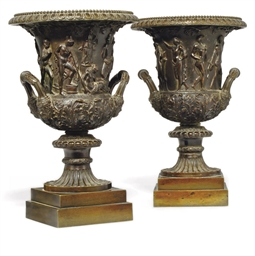 A PAIR OF BRONZE MODELS OF CLA