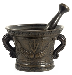 AN ITALIAN BRONZE MORTAR AND P