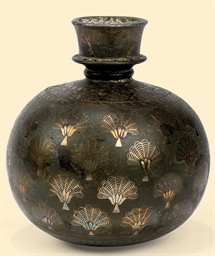 A BIDRI SPHERICAL HOOKAH VASE