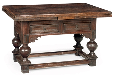 A DUTCH OAK DRAW-LEAF TABLE