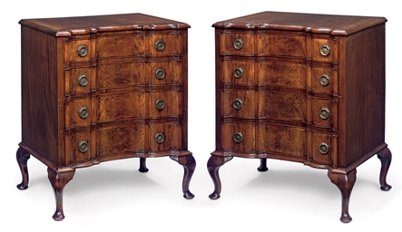 A PAIR OF MAHOGANY CHESTS