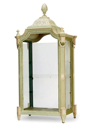 A PAINTED WOOD TABLE VITRINE