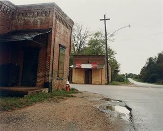 The Bar-B-Q Inn in the Rain, G