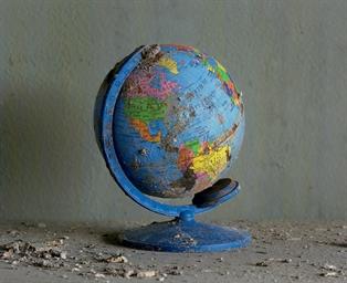Globe in Classroom, Chalmette
