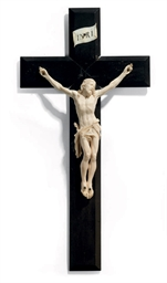 A FRENCH IVORY CRUCIFIX FIGURE