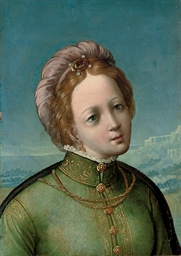Head of a woman, in a green dr