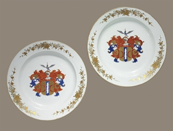 A VERY LARGE PAIR OF CHINESE EXPORT ARMORIAL CHARGERS