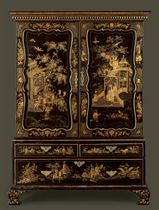 A GEORGE II BLACK-AND-GILT JAPANNED LINEN PRESS