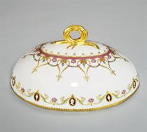 A porcelain cover from a tureen from the Yacht Service
