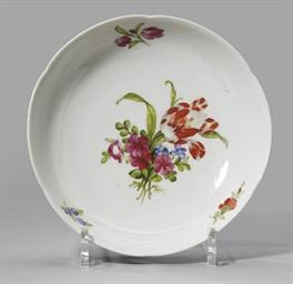 A porcelain compotier