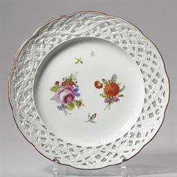 A porcelain dessert plate