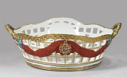 A porcelain basket from the Se
