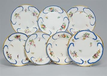 A set of six dessert plates an