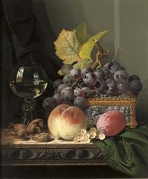 Grapes, peaches, a 'Roemer' an