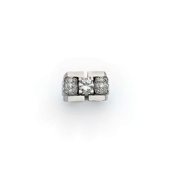 BAGUE CHEVALIERE ART DECO DIAMANTS