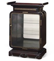 A FRENCH BRONZE-MOUNTED ROSEWOOD VITRINE