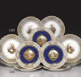 A SET OF FIVE MEISSEN COBALT-B