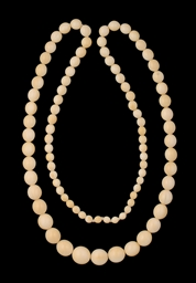AN IVORY BEAD NECKLACE, INDIA,