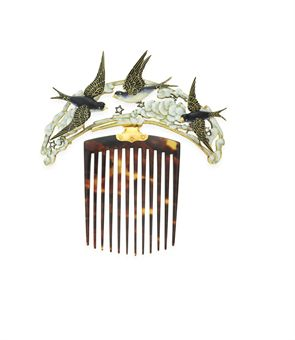 **AN ART NOUVEAU ENAMEL, TORTOISESHELL AND DIAMOND BLUEBIRD HAIR COMB, BY LUCIEN GAILLARD