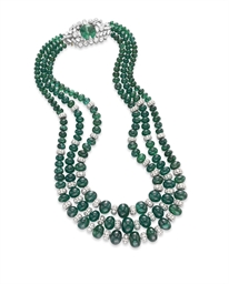 AN EMERALD BEAD AND DIAMOND NE