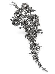 AN ANTIQUE DIAMOND CORSAGE BRO