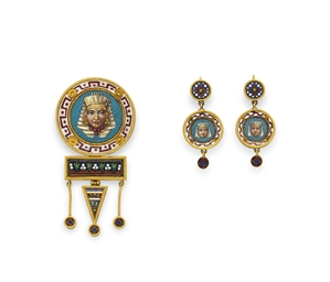 A SET OF EGYPTIAN-REVIVAL JEWL