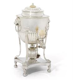 A GEORGE V SILVER TEA-URN