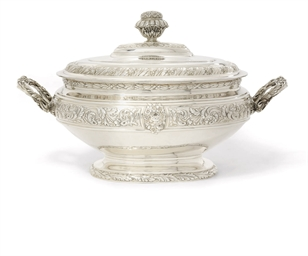 A SPANISH SOUP-TUREEN AND COVE