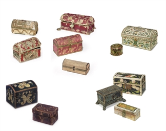A COLLECTION OF TWELVE CASKETS