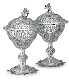 A PAIR OF VICTORIAN SILVER DES