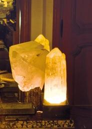 DEUX CRISTAUX MONTES EN LAMPES