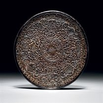 A RARE FINELY CARVED LACQUER DISH