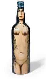Femme-bouteille